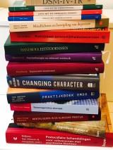 afb 9 - stapel boeken